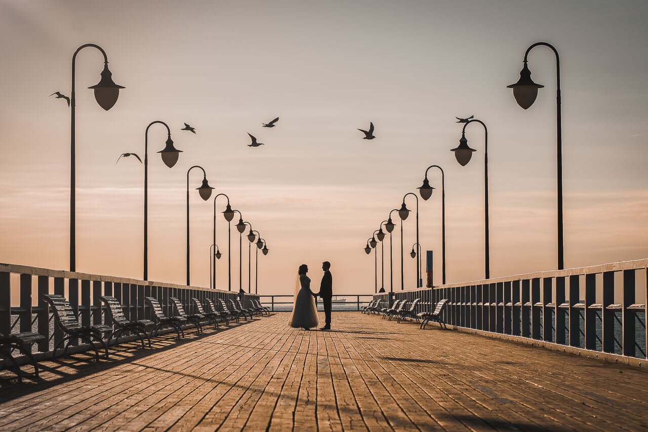 Plener ślubny w Gdyni Orłowo przy wschodzie słońca strzelcy wyborowi