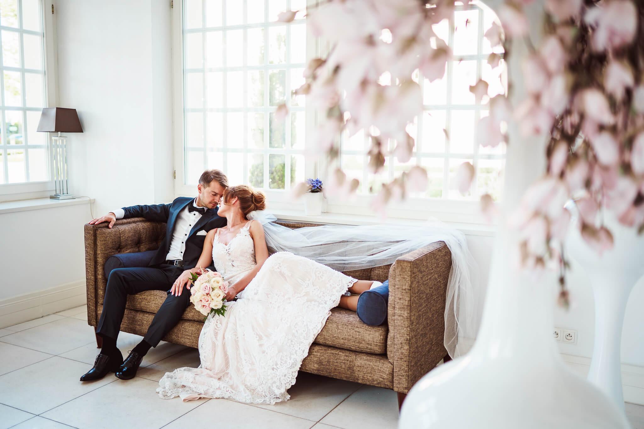 sesja ślubna w pałacu romantycznym w turznie